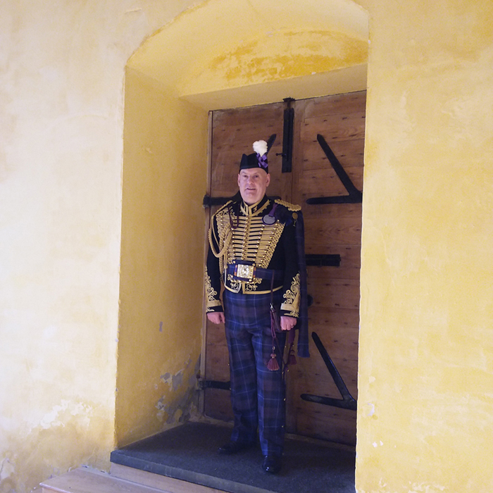 Jacobite Tours Alba Hussar at Stirling Castle Scotland. Come join our campaign