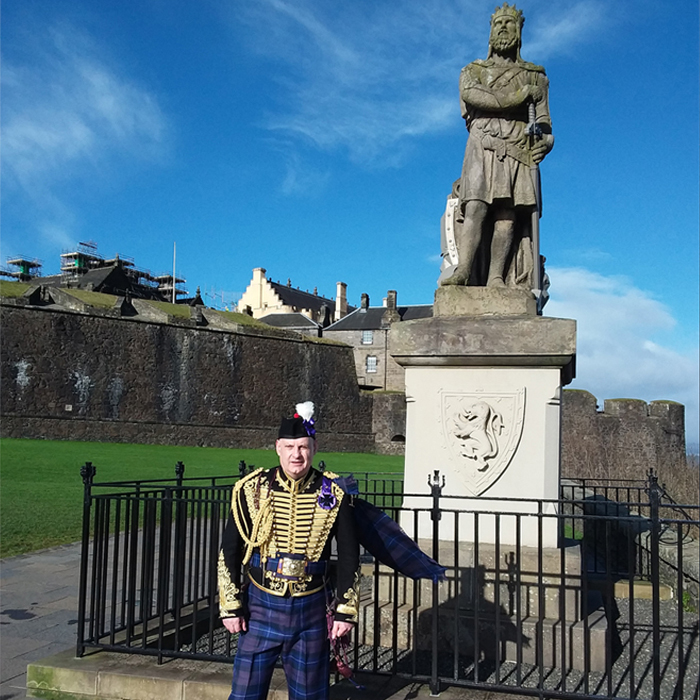Jacobite Tours Alba Hussar with Robert the Bruce. Come join Our Campaign!